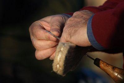 artisan sewing alpargatas-espardrilles in La Rioja Spain