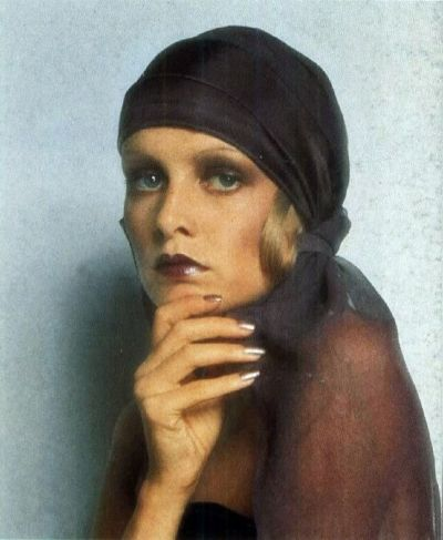 yop 60s model twiggy wearig BARBARA HULANICKI biba design