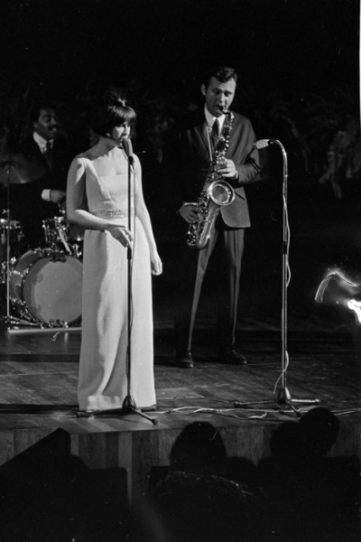 astrud gilberto performing with stand getz bossa nova