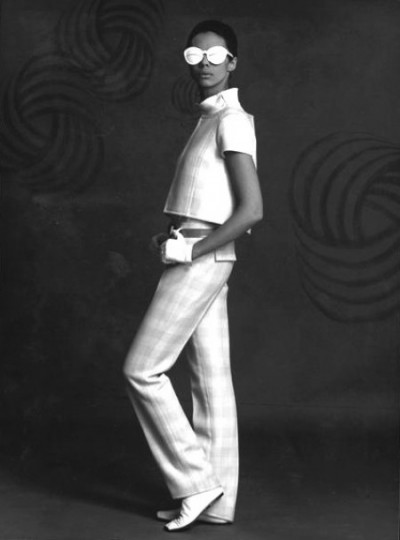 André Courrèges shades model