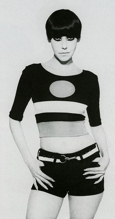 model peggy moffit mod outfit