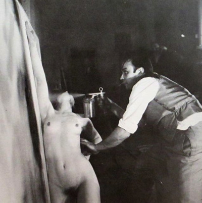 ives klein performance anthropometrie