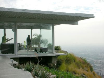 pierre koenig house overlooking los angeles