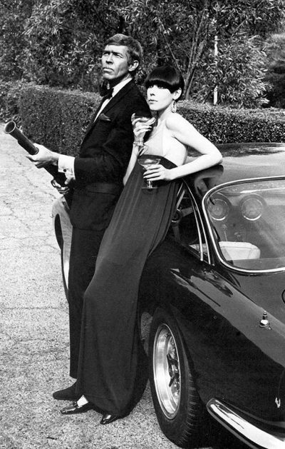 peggy-moffit-James-Coburn in the promotion of the film our Man-Flin