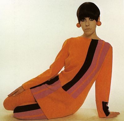 peggy moffit sitting for fashion shooting circa mid 60s