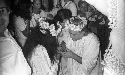 1973Vinicius-de-Moraes-PoetaCasamento-de-Vinicius-de-Moraes-com-a-atriz-baiana-Gesse-GessyA-cerimonia-foi-celebrada-em-um-terreiro-de-Candomble