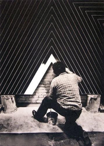 modern american artist frank stella brush paintin in his new york studio