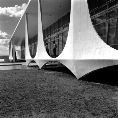 alborada palace by architect oscar niemeyer building detail