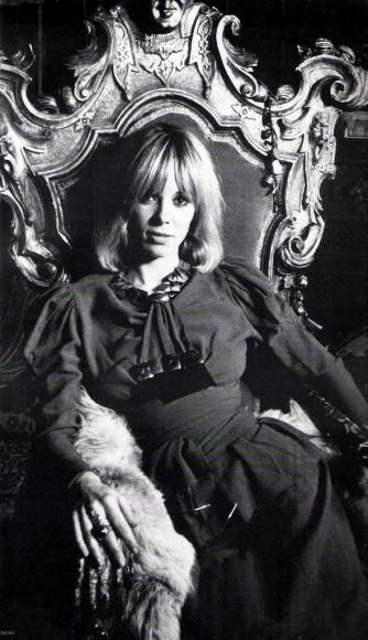 Anita pallemberg on the set of film performance 1968