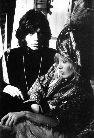 Anita pallemberg and mick jagger on the set of film performance