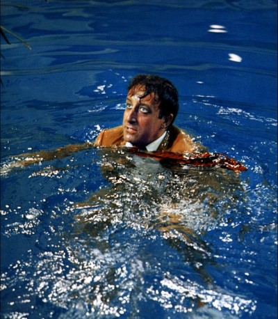 film The party blake edwards peter sellers swiming pool