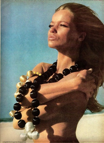 Veruschka wind on her face