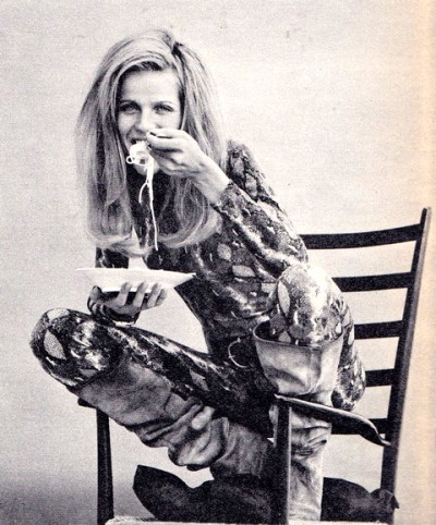 Veruschka snake jumper eating pasta