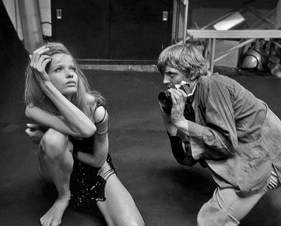 Veruschka in film blow up fashion shooting scene