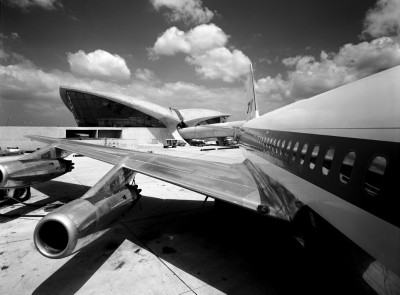 TWA terminal, Eeero Saarinen with close up airplane