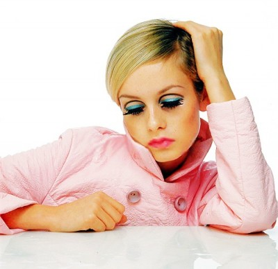 twiggy in pink shooting