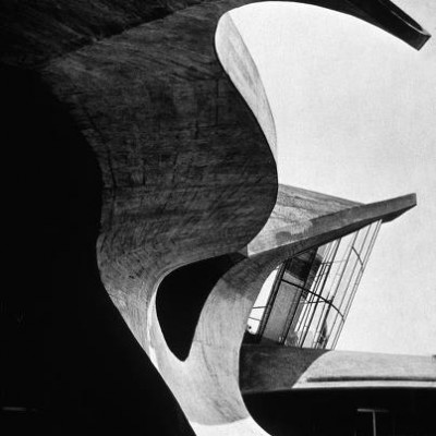 TWA terminal, Eeero Saarinen balcony detail