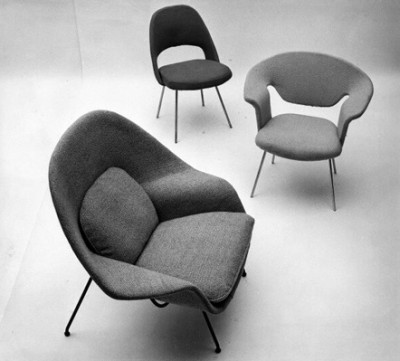 Eero Saarinen chair display