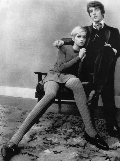 twiggy with her then boyfriend and manager Justin De Villeneuve, in 1967.