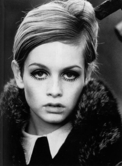 fashion model twiggy head shot