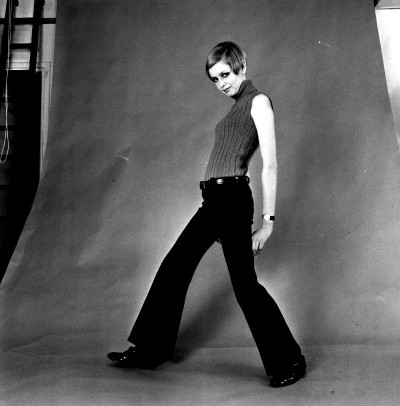 twiggy on set shooting for a fashion editorial