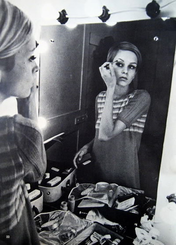 twiggy make up work