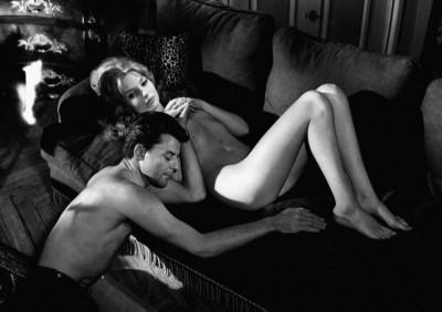 les liason dangereuses naked couple on the sofa