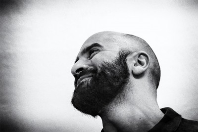 portrait of the artist guillermo mora by phographer juan barte
