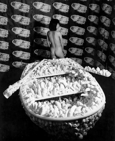 japanese artist yayoi kusama posing nude on a acumulation boat