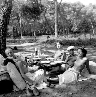 Paul+Eluard+Lee+Miller+-+Nusch,+Paul+Eluard,+Roland+Penrose,+Man+Ray,+Ady+Fidelin.+1937.+A+l'été+1937+.Lee+Miller.+séjourne+à+Paris,+elle+reprend+contact+avec+l'avant-garde+parisienn