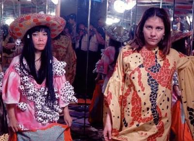 yayoi_kusama_backstage fashion show