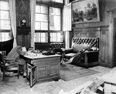 Mayor-and-Family-Suicide-Leipzig-1945