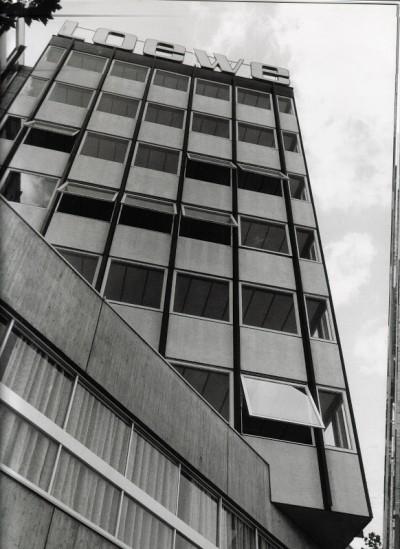 fabrica+loewe+barcelona-Javier Carvajal