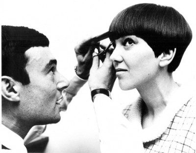 Vidal Sassoon cutting Mary Quant's hair