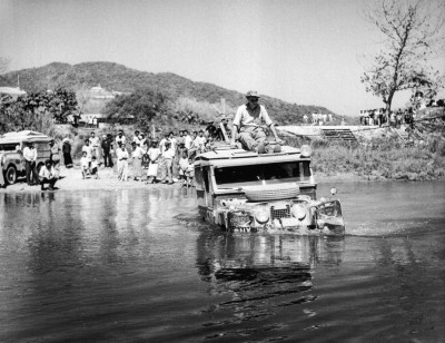 land-rover-discovery-1955-first-overland-expedition-06