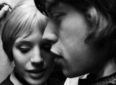 MICK JAGGER marianne faithful,60s style icon, rock,formidable magazine ,actress,pop music,musique, chica yeye