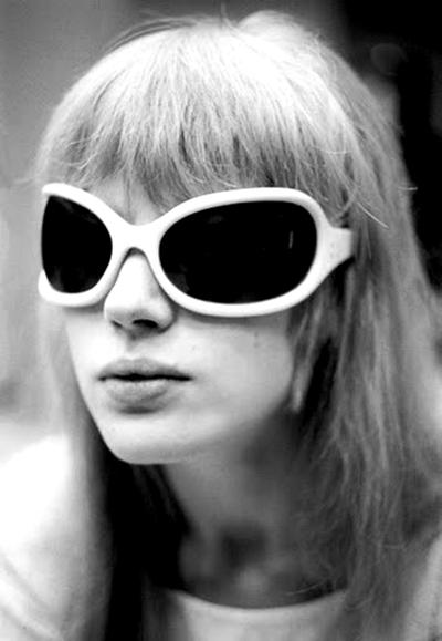 013Marianne-Faithful-sunglasses