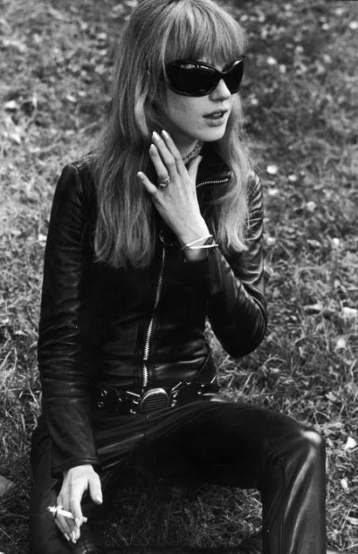021Marianne Faithfull-The Girl on a Motorcycle-1968- leather catsuit by Lanvin,60s style icon, rock,formidable magazine ,actress,pop music,musique, chica yeye