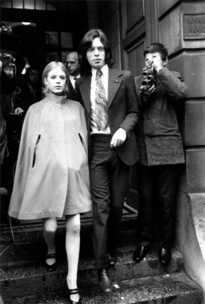 Marianne Faithfull+Mick Jagger,60s style icon, rock,formidable magazine ,actress,pop music,musique, chica yeye