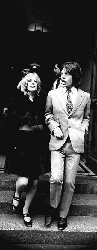 030Marianne Faithfull & Mick Jagger - 1969
