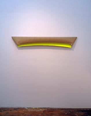 2014. AlejandroBotubol _burrito_, 140 x 44 x 22 cm acrilic on linen, Espacio Valverde