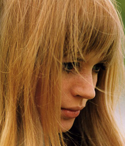 Marianne-Faithfull-400