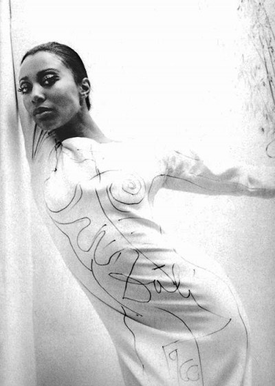 19_donyale luna wearing a white crepe rudi gernreich dress which was then painted on by salvador dalí. photographed by william claxton1966