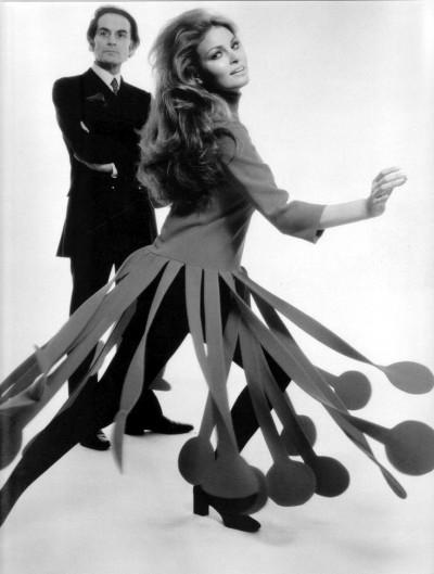 1970. Raquel Welch dress in Pierre Cardin Photo by Terry O'Neill