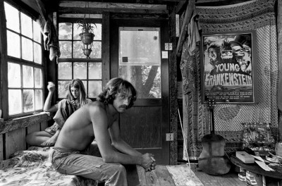 2_Taylor_camp_hawaii_hippy_originals_Diane_and_Richie in thier tree house