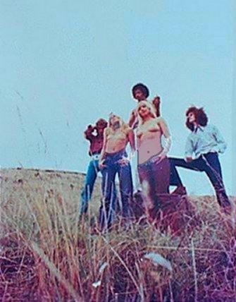 028_1968-hendrix-hawaii-usa