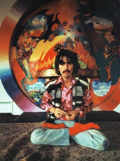 16_geoge-harrison-the-beatles-the-fool-decor-400x537