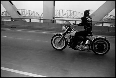 DANNI LYON photography bikeriders Crossing the Ohio.