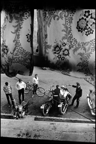 DANNI LYON photography bikeriders USA. Louisville, Kentucky. 1966. From Lindsey's room.