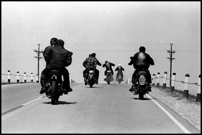DANNI LYON photography bikeriders USA. Wisconsin. 1965. Route 12.